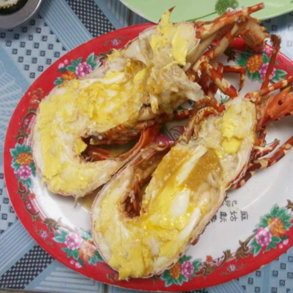 Tôm Hùm Bông Sống (0,7kg – <1kg/con)