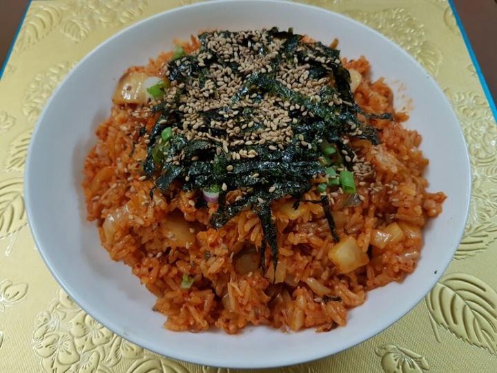 Cách làm cơm chiên hải sản ngon kiểu Hàn Quốc