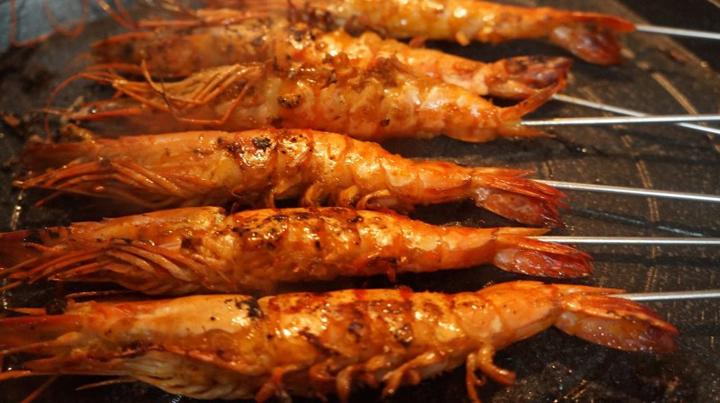 Cách nướng tôm với muối ớt đơn giản