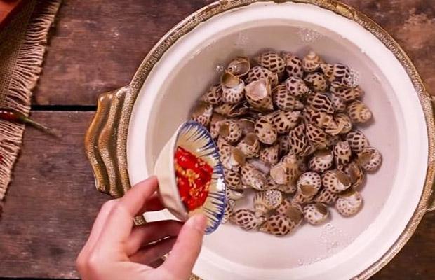cách làm món ốc hương xào trứng muối