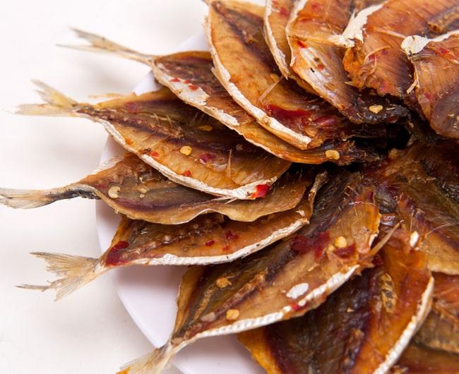 nướng cá chỉ vàng bằng nồi chiên không dầu